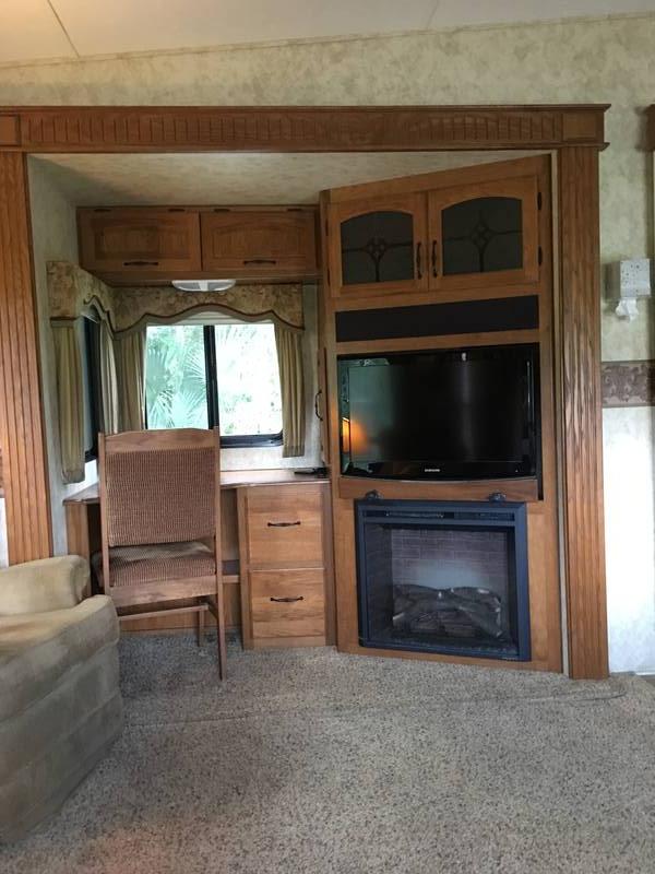 2010 Keystone Montana 3605SA