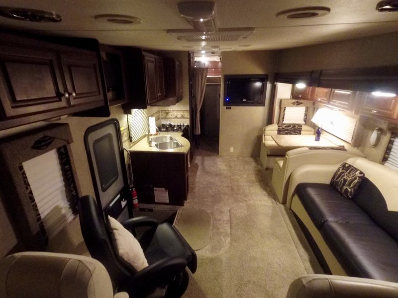 2012 Thor Motor Coach Outlaw 3611S