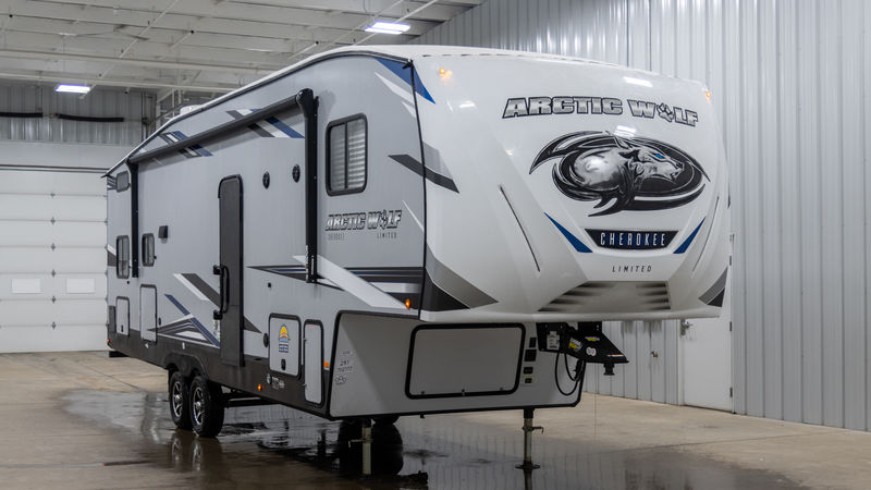 2020 Forest River Cherokee Arctic Wolf 287BH