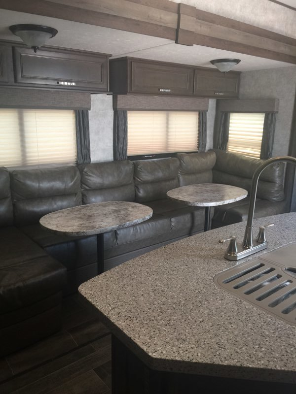 2018 Highland Ridge RV Roamer 376FBH