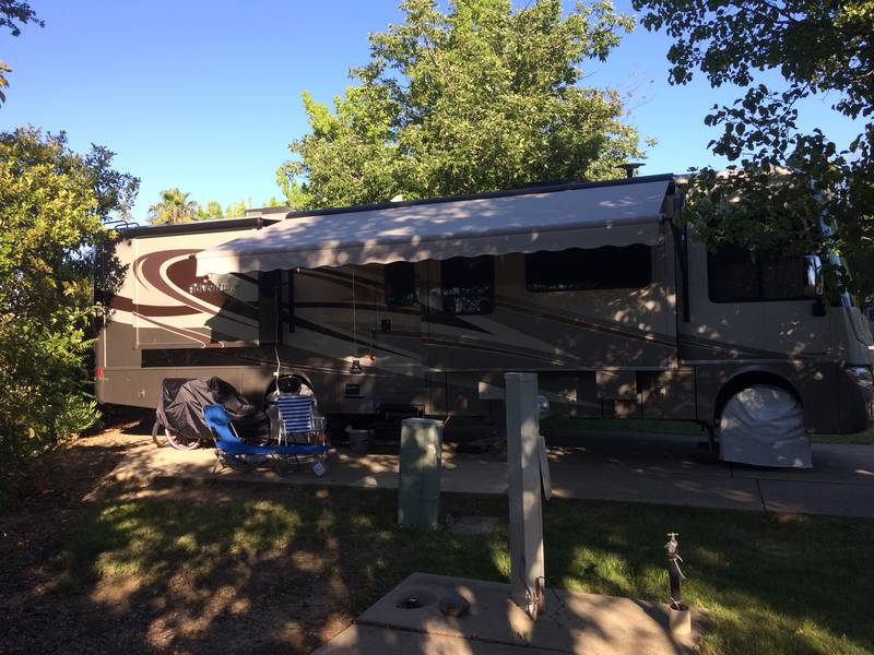 2015 Winnebago Adventurer 37F