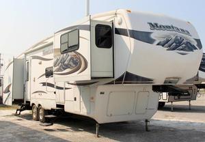 2011 Keystone Montana 3750FL