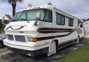 1995 Foretravel Motorcoach Grand Villa Unihome U280