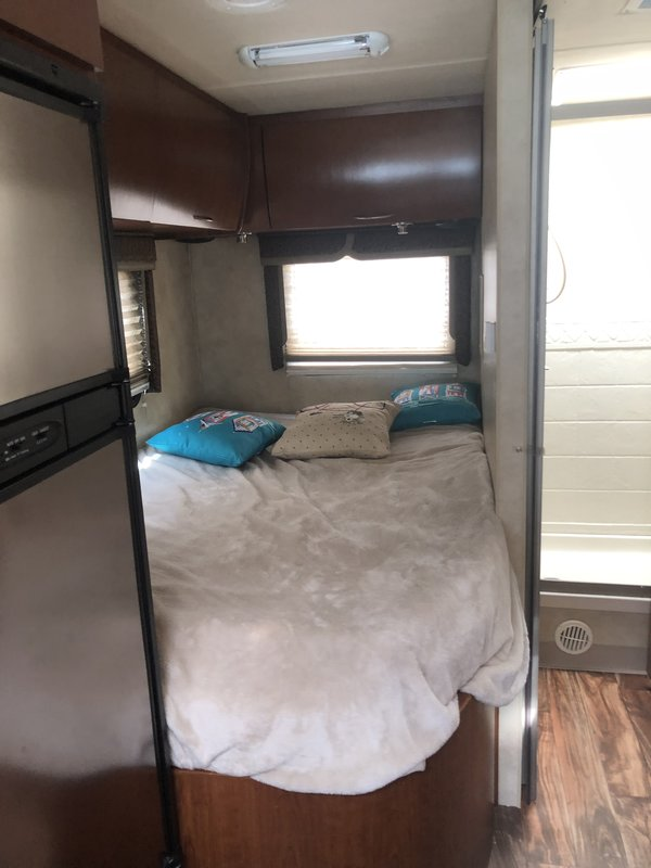 2011 Thor Motor Coach Four Winds Sprinter 24FS