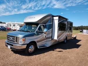 2016 Winnebago Cambria 27D