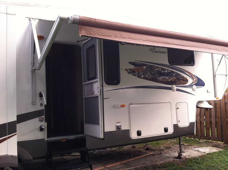 2013 Coachmen Chaparral 328RES