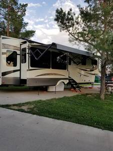 2019 Grand Design Solitude 377MBS