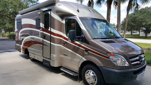 2014 Coach House Platinum II 241XL DRT --- DINETTE , REAR TWIN BEDS