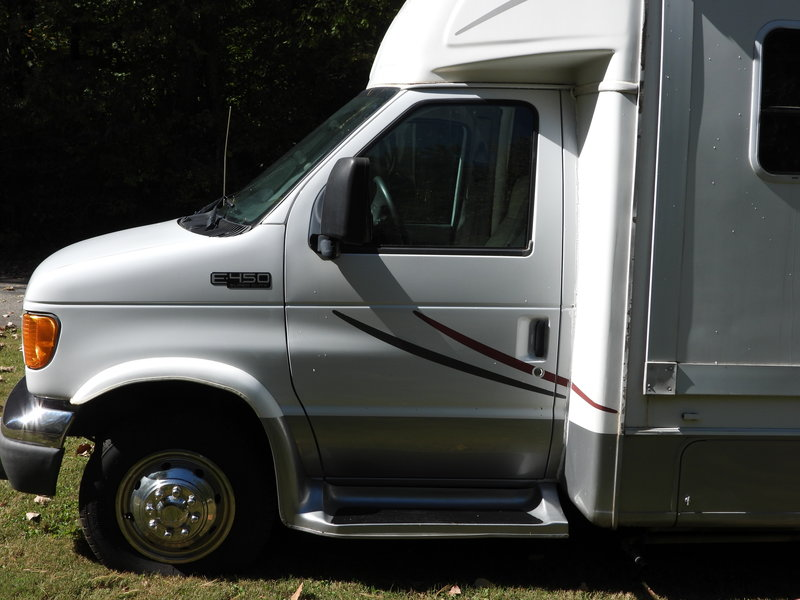 2005 Forest River Lexington GTS M270S