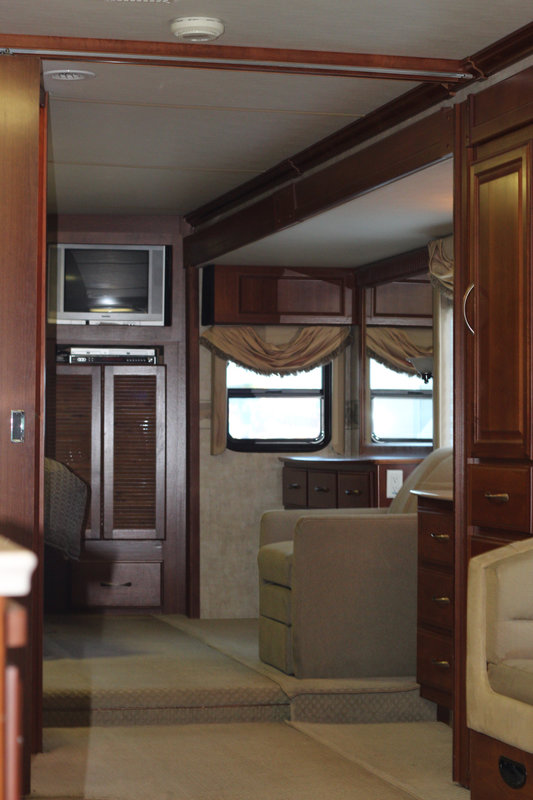 2006 Fleetwood Discovery 39V