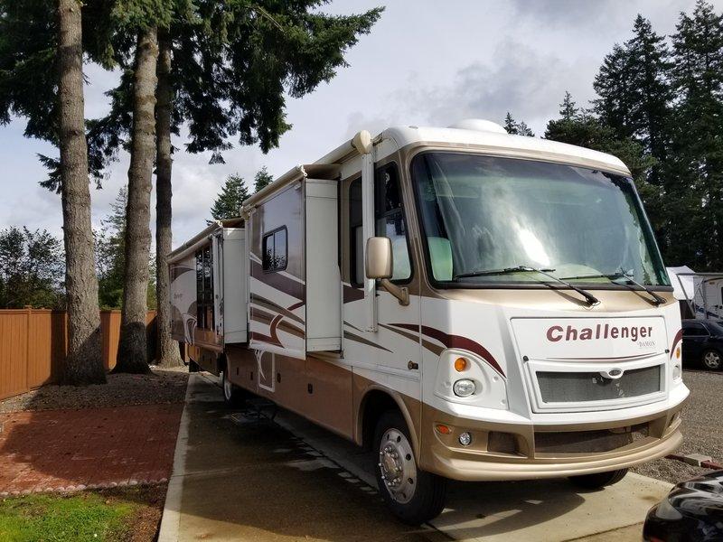 2010 Damon Challenger 371