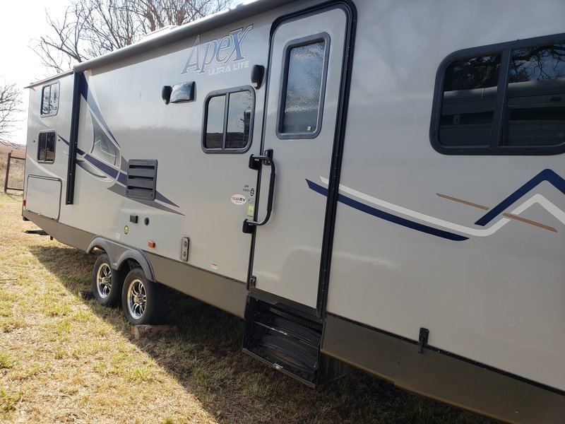 2019 Coachmen Apex Ultra Lite 289TBSS