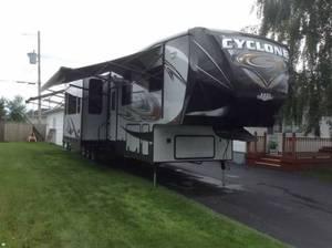 2014 Heartland Cyclone HD Edition 3800