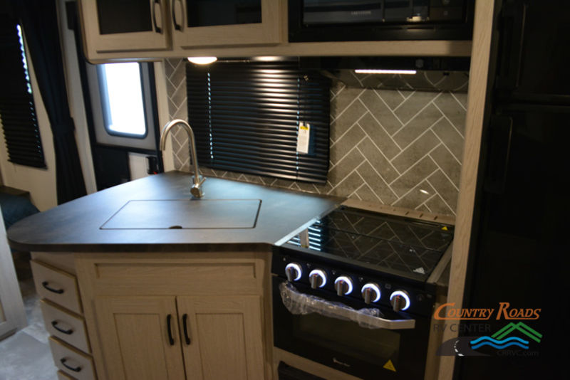 2020 Coachmen Apex Ultra-Lite 245BHS