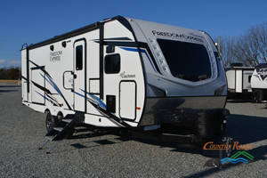 2021 Coachmen Freedom Express 259FKDS