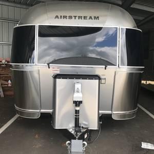 2019 Airstream International Serenity 25RB Twin
