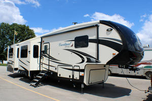 2020 Forest River Cardinal Luxury 3750BKX