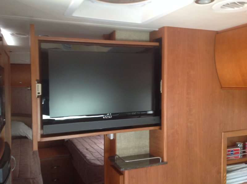 2013 Leisure Travel Vans Unity Twin Bed