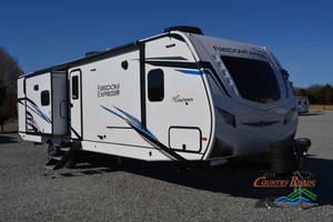 2021 Coachmen Freedom Express Liberty Edition 320BHDSLE