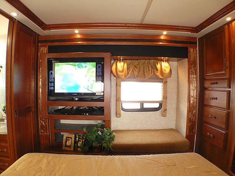2005 Fleetwood Excursion 39L