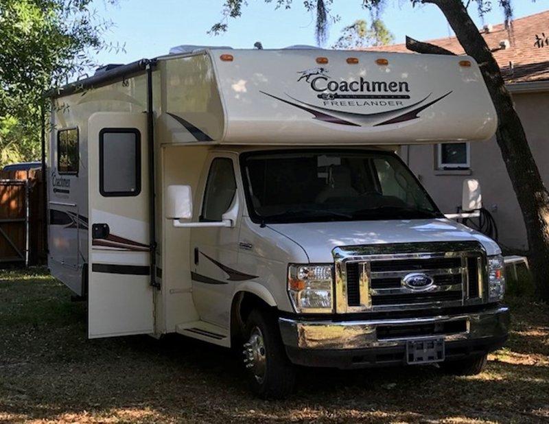 2015 Coachmen Freelander 21QB Ford