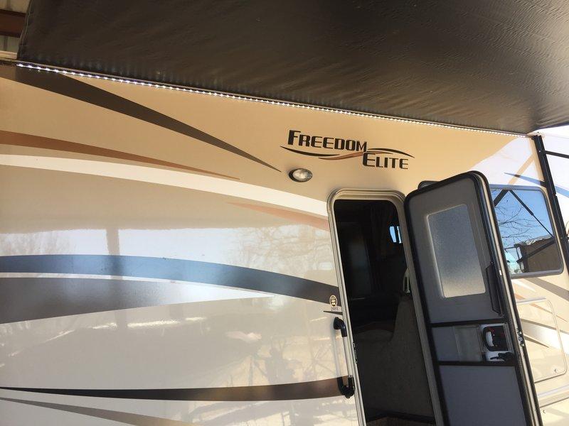 2017 Thor Motor Coach Freedom Elite