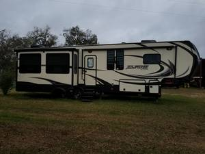2014 Keystone Alpine 3500RE