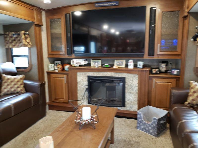 2016 Highland Ridge RV 3X 377FLR