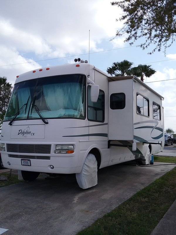 2003 National RV Dolphin LX 6355