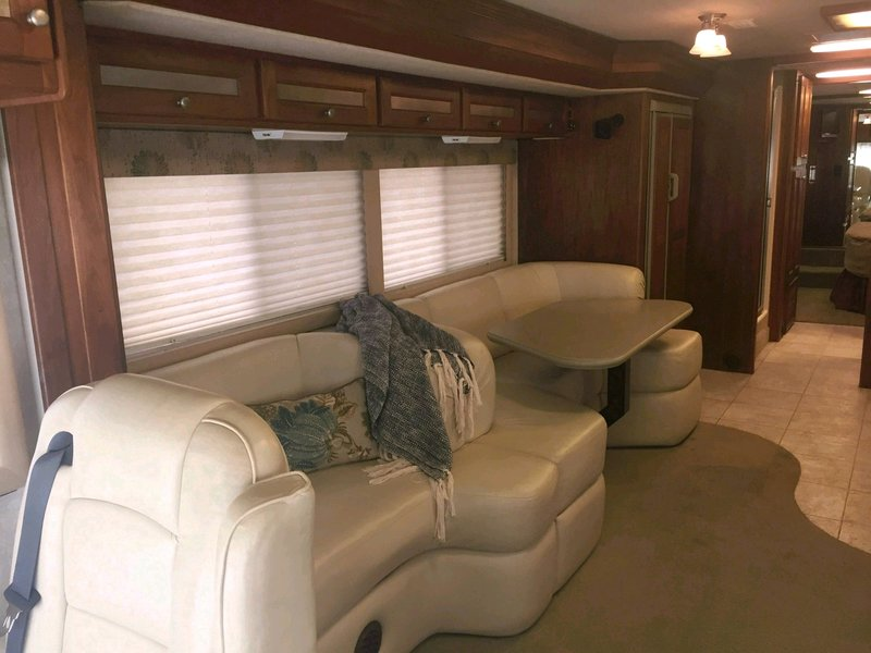 2002 Country Coach Allure 36TS