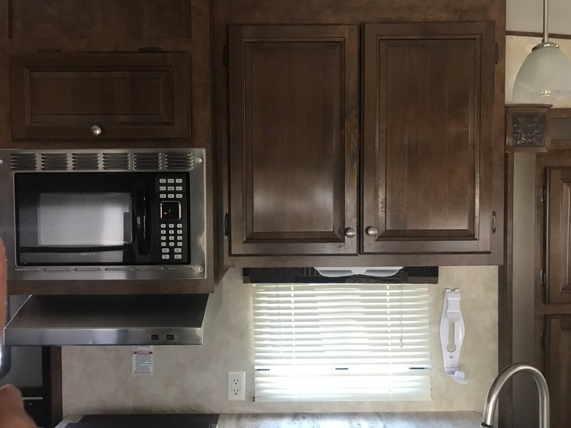 2013 Coachmen Chaparral Signature M327RLKS