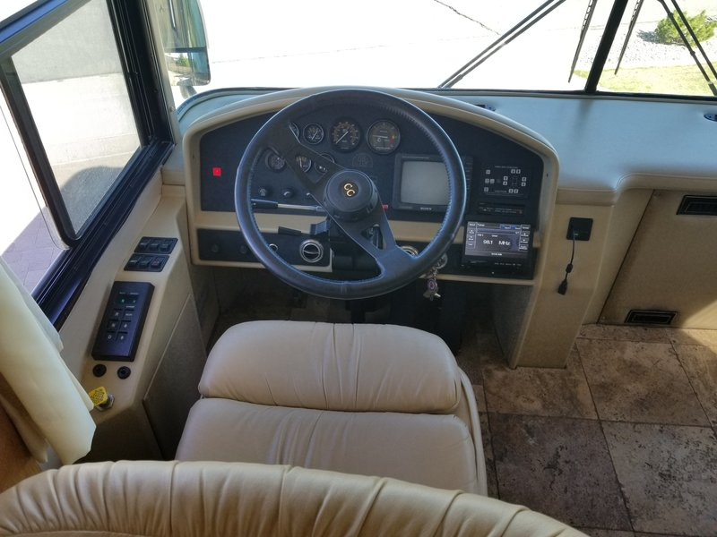 1996 Country Coach Intrigue 10157