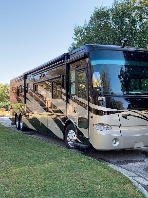 2010 Tiffin Allegro Bus 43QGP