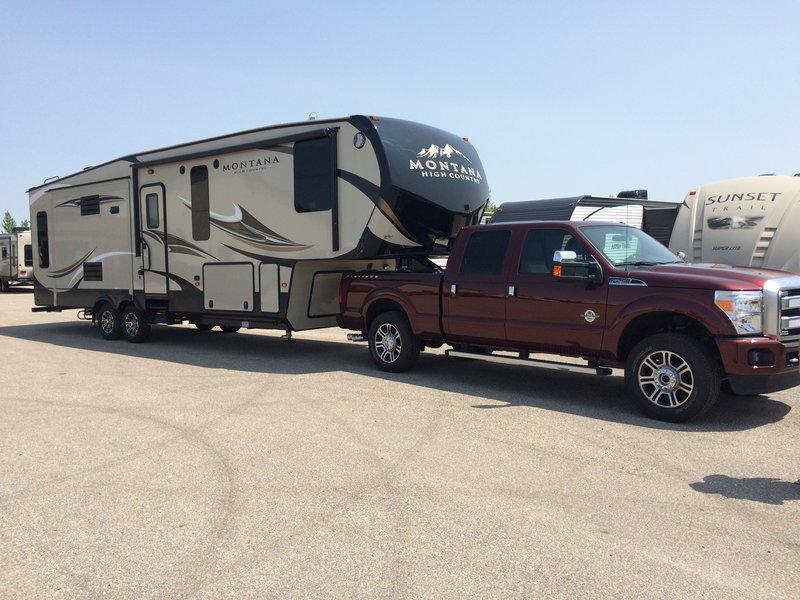 2016 Keystone Montana High Country 305RL