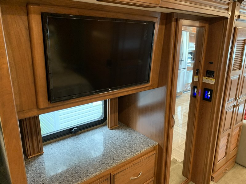 2016 Fleetwood Discovery 38K