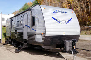 2017 CrossRoads Zinger Z-1 328SB