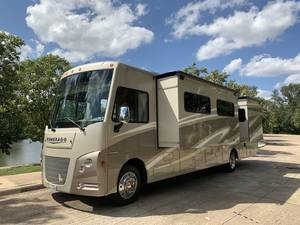 2017 Winnebago Vista LX 35B