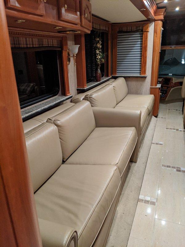 2007 Country Coach Magna 630 Galileo
