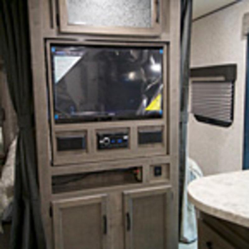 2018 Coachmen Apex Ultra Lite 215RBK