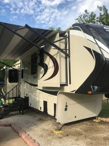 2016 Grand Design Solitude 384GKR
