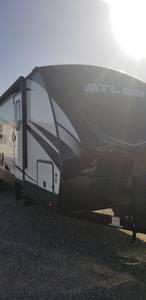 2021 Dutchman  Atlas  3202BH