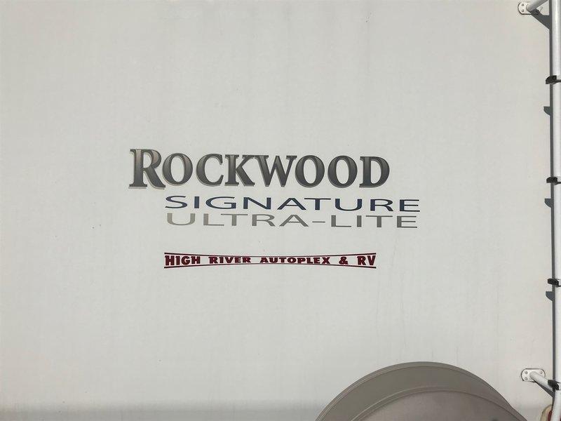 2008 Forest River Rockwood 8317SS