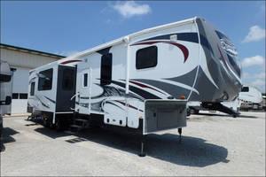 2013 Heartland Road Warrior 395RW