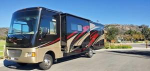 2012 Winnebago Vista 32K