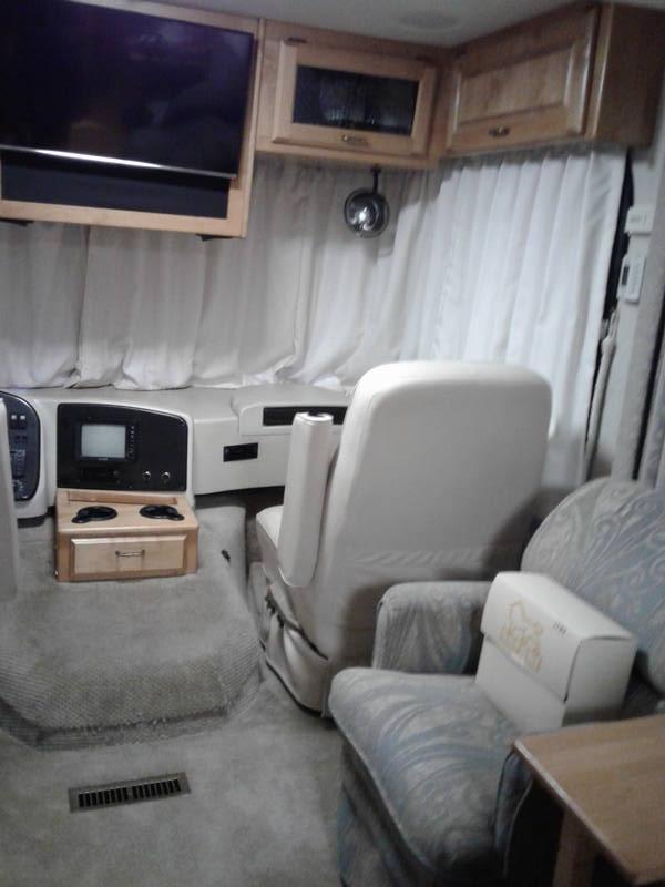 2005 Safari Trek 28RB2