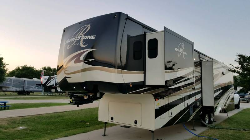 2017 Forest River Riverstone Legacy 38MB