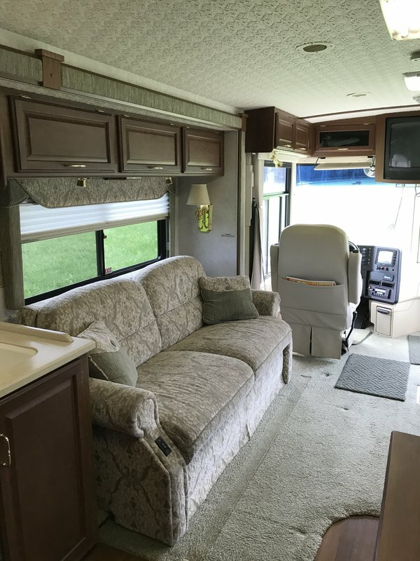 2003 Winnebago Journey WKP36L