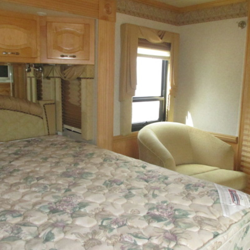 2005 Newmar Mountain Aire 4303