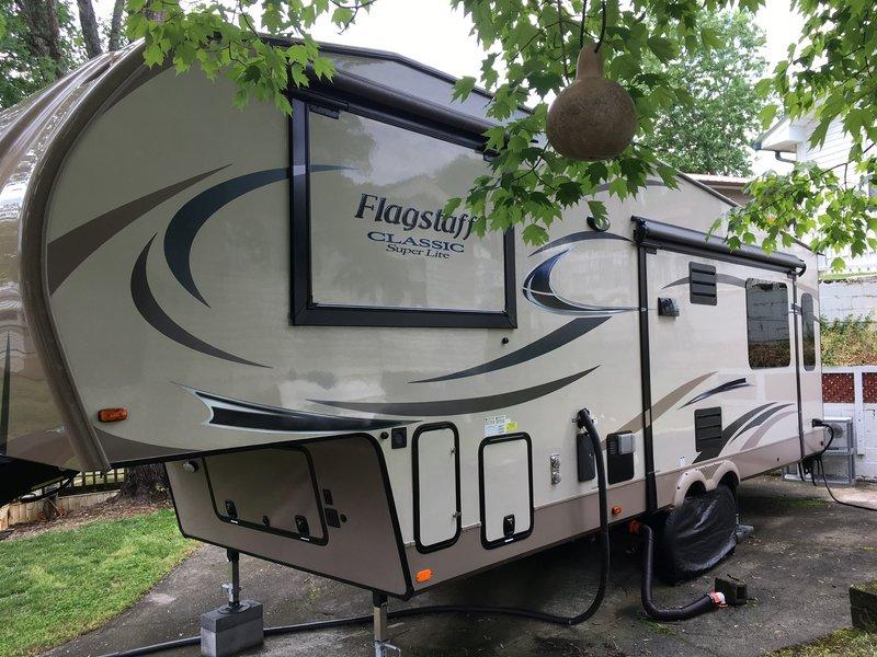 2017 Forest River Flagstaff Classic Super Lite 8528IKWS