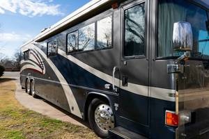 2003 Country Coach Allure 370